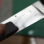 ブレード研磨中に出るピンホールの原因は、ほぼ磨き残しじゃないか?:Knife-Hack